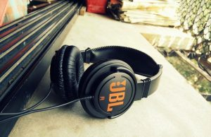 JBL C300SI On-Ear Dynamic Wired Headphones Review