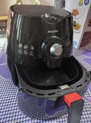 Philips Viva Collection HD9220 Air Fryer with Rapid Air Technology